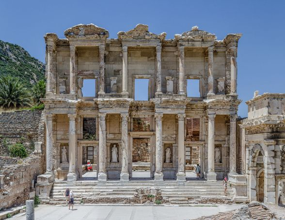 Alexandria-Ephesus_Celsus_Library_Façade